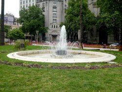 Fuentes (4) – Fontaines gerbes de roseaux –  Plaza de Mayo – Buenos Aires