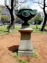 Copones (2) – Coupes à anses perpendiculaires – Plaza Holanda – Buenos Aires