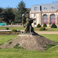 """Statue """"Groupe de Versailles"""" (3/4 ) – Château des Vaux – Pontgouin"""