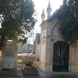 Portes de chapelles sépulcrales (1) – Division 91 – Cimetière du Père Lachaise – Paris (75020)