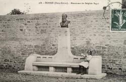 Monument de Delphin Sagot – Echiré