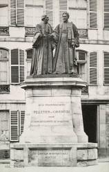 Monument à Pelletier et Caventou – Paris, 5e arr.