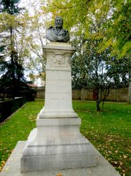 Buste de François Populle (volé – remplacé) – Roanne