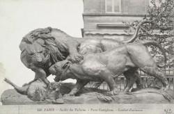 Lion et lionne se disputant un sanglier – Paris, 1er arr.