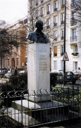 Monument à Georges Courteline – Paris (75012)