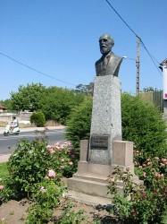 Monument au docteur Sabatier – Varennes-sur-Allier