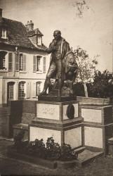 Monument à Pierre Laplace – Beaumont-en-Auge