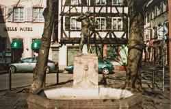 Le Pipeur de mésanges, ou Meiselocker, ou Monument à Arnold et Schuler – Strasbourg