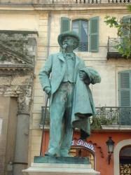 Statue de Frédéric Mistral – Arles