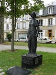 Statue de Jeanne Mance – Langres