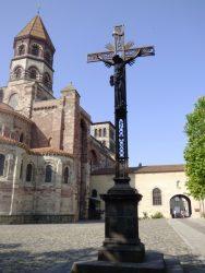 Christ en croix – Brioude