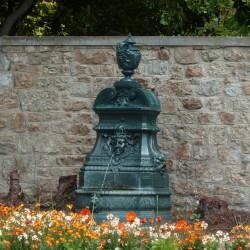 Fontaine de cours – Dinard