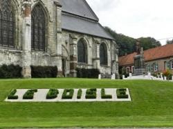 Poilu au repos – Monument aux morts – Le Boisle