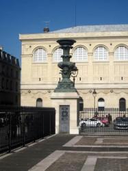 Candélabres monumentaux du Panthéon (2) – Paris (75005)