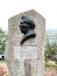 Monument au Chanoine Kir – Dijon