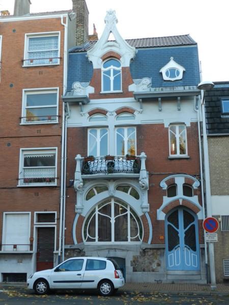 balcon panneau de porte et grille de soupirail place turenne dunkerque malo les bains. Black Bedroom Furniture Sets. Home Design Ideas