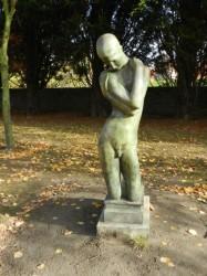 L'agenouillé – Jardin de l'Arsenal – Gravelines