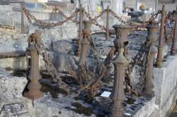 Cimetière – Entourages et statue – Brousseval