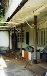 Colonnes de la Maison des Directeurs de l'usine de Grands Bois   –  Saint-Pierre de la Réunion