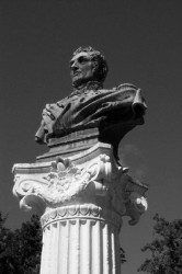 Buste de Bailly de Monthyon –  Saint-Denis de la Réunion