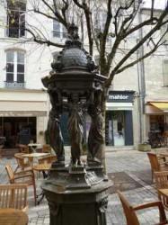 Fontaine Wallace – place Saint-Silain  – Périgueux