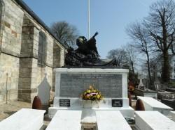 Monument aux morts – Cimetière – Saint-Martin-aux-Buneaux