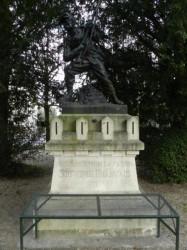 Monument aux morts de 1870 –  Bar-sur-Aube