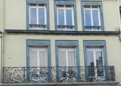 Balcon et baldaquin pour jalousies – Rue Nationale – Bar-sur-Aube
