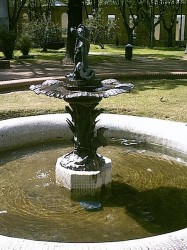 Vasque au Triton – Plaza Pasteur – Montevideo