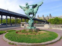 """Jeanne d'Arc  ou 'La France renaissante""""  – Paris (75015)"""
