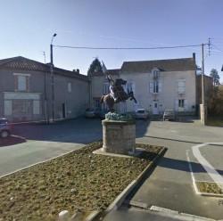 Statue équestre de Jeanne d'Arc- La Chapelle-Saint-Laurent