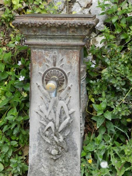 Borne-fontaine – jardins de la Fontaine – Nîmes