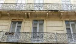 Balcons et lambrequins pour jalousies – Nîmes