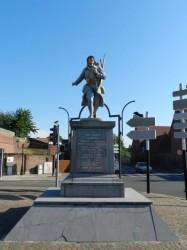"""Poilu """"La victoire en chantant"""" Monument aux morts – Noyelles-lès-Seclin"""