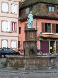Fontaine avec statue Le Printemps – Place Maréchal Foch – Sainte-Marie-aux-Mines