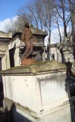 Vierge  –  Tombe Rivière – cimetière du Père-Lachaise – Paris (75020)