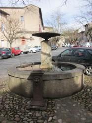 Vasque et borne fontaine, place E. de Guérin – Gaillac