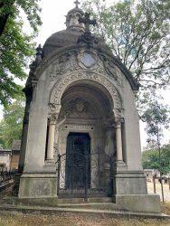 Grilles et porte de la chapelle Cail – Cimetière du Père Lachaise – Paris (75020)