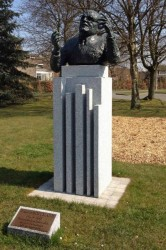 Buste de Maurice Schumann – Marcq-en-Baroeul