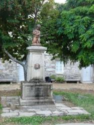 Fontaine de l'Enfant-Triton – Sainte-Marie-Sicche