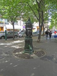 Fontaine Wallace – Place Aimé-Maillart – Paris (75017)