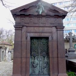 Chapelle sépulcrale de la famille Pascal – Cimetière du Père Lachaise – Paris (75020)