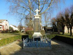 Entourage – monument aux morts – Recy