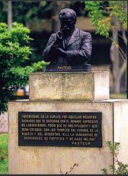 Monumento a Louis Pasteur – Universidad nacional de Colombia – Bogotá