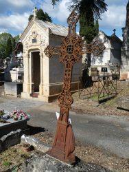 Croix à la pleureuse (5) – Cimetière de la ville – Cahors