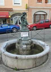 Fontaine Enfant à la Rame – Foix