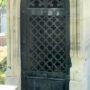 Portes de chapelles sépulcrales  - Division 54 - Cimetière du Père Lachaise - Paris (75020) - Image2