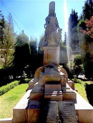 Monumentos de los caídos de Ayo-Ayo y Cosmini – Cementerio general – Sucre