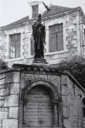 Monument à saint Agapit – Saint-Maixent-l'Ecole