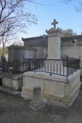Ornements de sépulture – Division 3 – Cimetière du Père-Lachaise – Paris (75020)